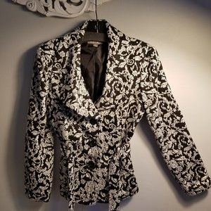 Ladies Blk & Wht Jacket